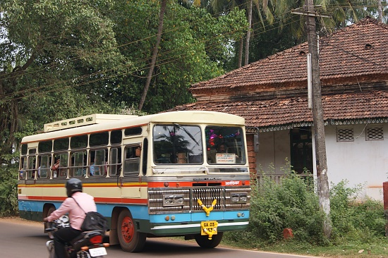 Catching the number nine to Panjim by tonygreen