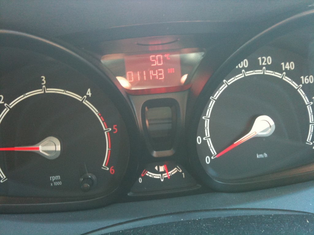 Hot on the road - 50C by peterdegraaff