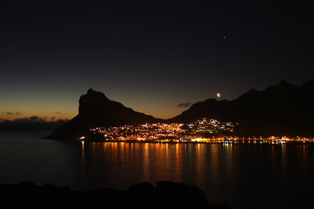 Moonset from Chapman's Peak by eleanor
